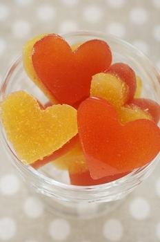 トマトとオレンジのグミ